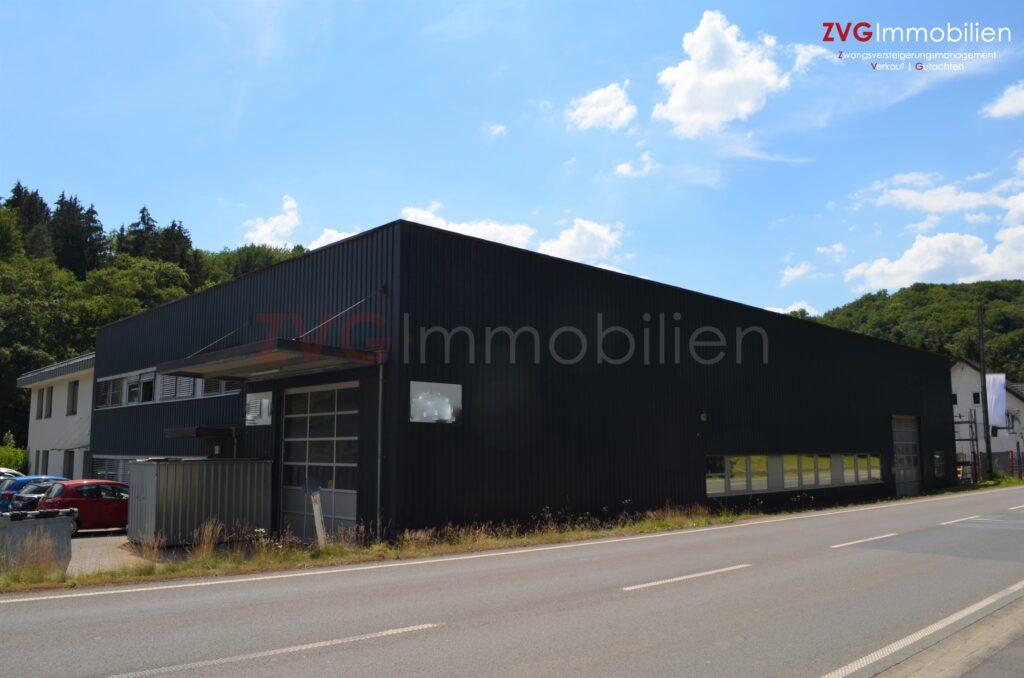 Notverkauf von etwa 4.000 m² Gewerbeareal mit vermieteten Büro- und Hallenflächen im Rhein-Sieg-Kreis