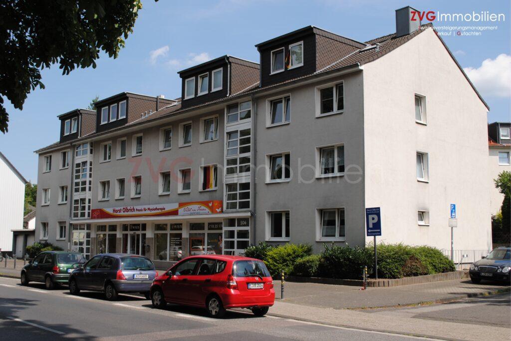 Eigentumswohnungen im Auftrag der Schuldner und der Bank in Köln-Urbach verkauft