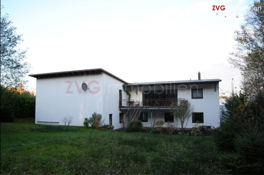 Abwicklung von einer Lager- und Ausstellungsliegenschaft mit Betriebswohnung in Bad Honnef.