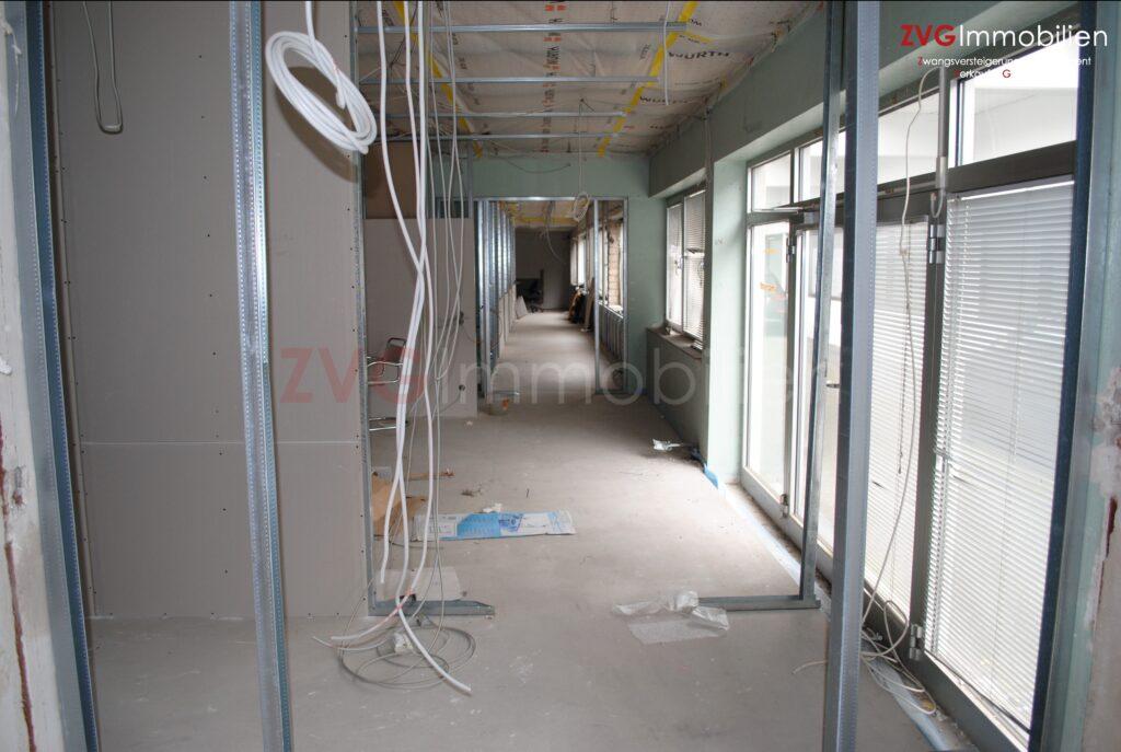 Einzelhandelsflächen mit Restfertigstellungsarbeiten in Köln-Höhenberg, im Auftrag der Eigentümer und der Bank veräußert