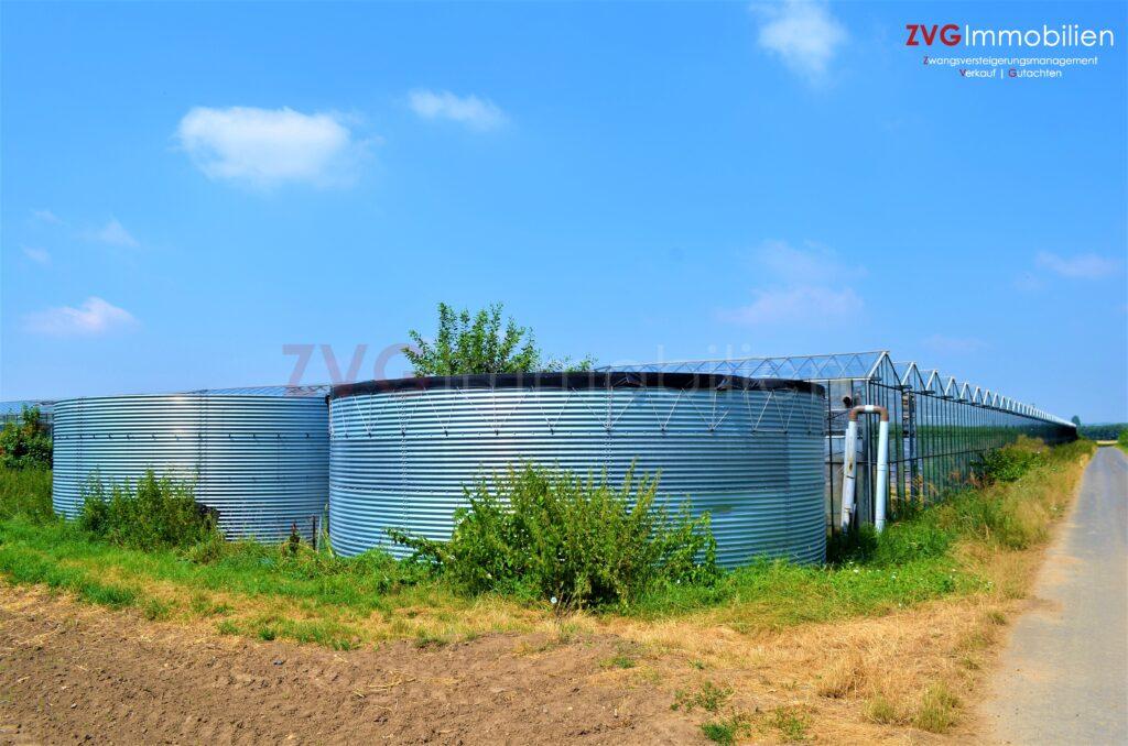 Notverkauf von knapp 50.000,00 m² Agrarflächen mit Arbeiter-/Unterkunftshäusern sowie Gewächshäusern und Anbauflächen