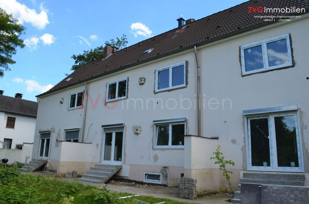 Insolvenzabwicklung von 3 entkernten Mehrfamilienhäusern in Köln-Rath